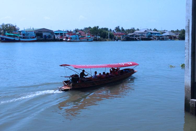 ล่องเรือเที่ยว บ้านศิริพร รีสอร์ท สมุทรสงคราม อัมพวา
