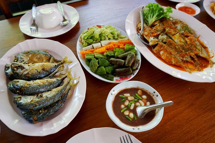 จัดเลี้ยงอาหาร คาราโอเกะ บ้านศิริพร รีสอร์ท สมุทรสงคราม อัมพวา