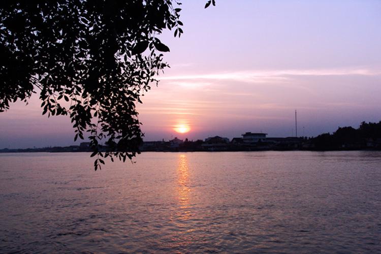 วิวแม่น้ำแม่กลอง บ้านศิริพร รีสอร์ท สมุทรสงคราม อัมพวา