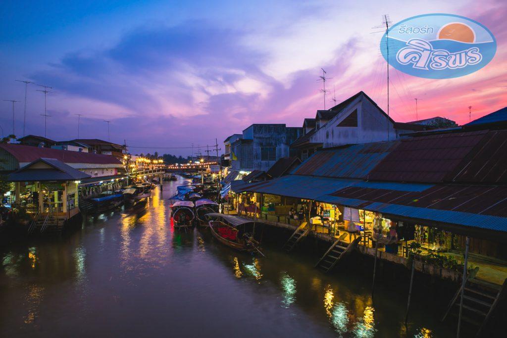 ตลาดน้ำอัมพวา (Amphawa floating market)