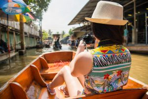 ตลาดน้ำดำเนินสะดวก (Damnoen Saduak floating market)